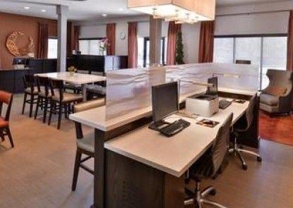 Best Western Royal Palace Inn & Suites