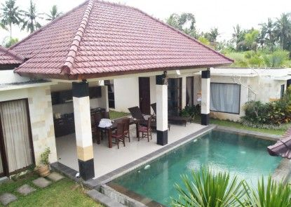 Bhanuswari Resort & Spa Kolam Renang