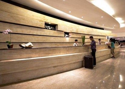 b Hotel Bali & Spa Lobby