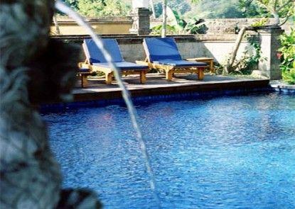 Biyukukung Suites & Spa Kolam Renang