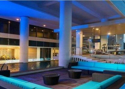 Blue Sky Hotel Petamburan Kolam Renang