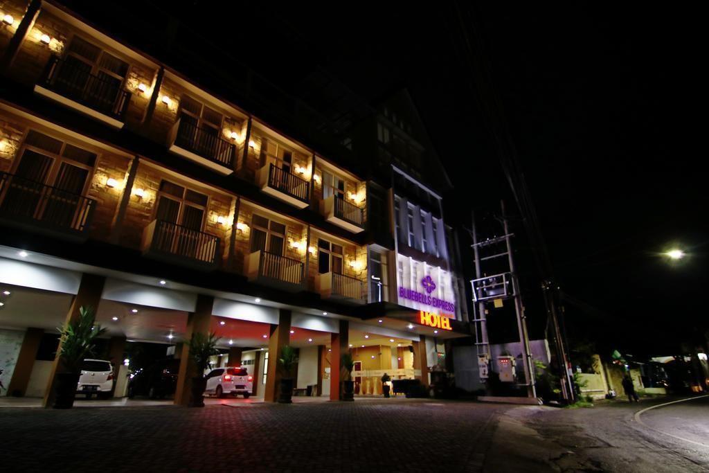 Bluebells Express Syariah Hotel, Malang