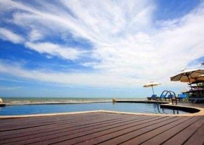Blue Sky Resort