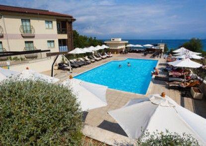 Blue Waves Resort
