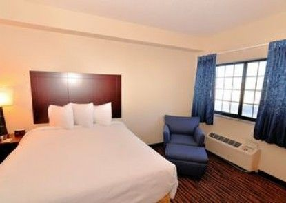 Boulders Inn & Suites Holstein