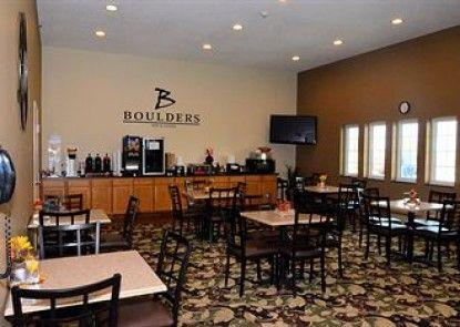 Boulders Inn & Suites Lake View