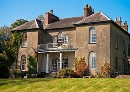 Boulston Manor Teras