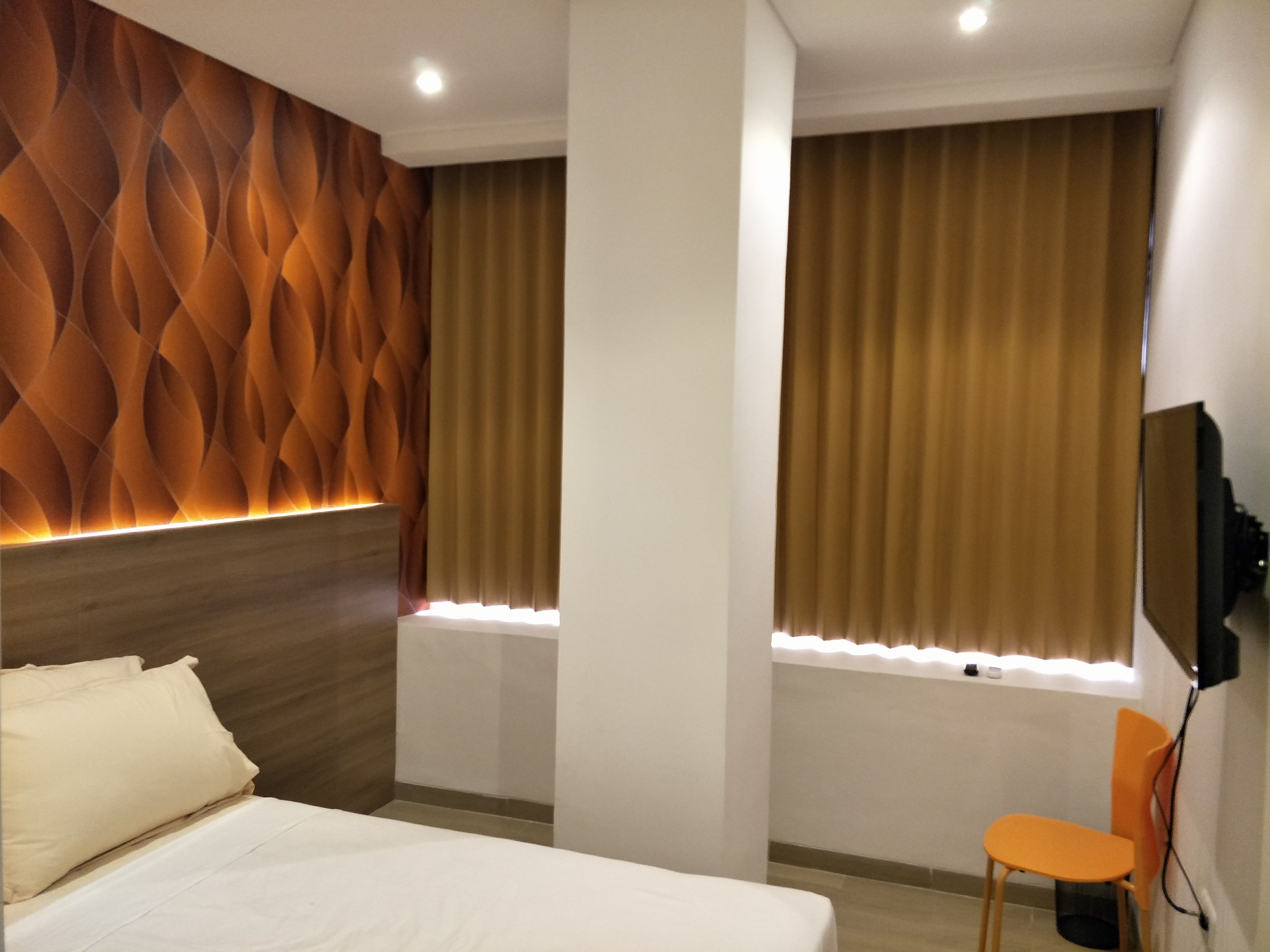 Box Hotel Surabaya,Sono Kwijenan