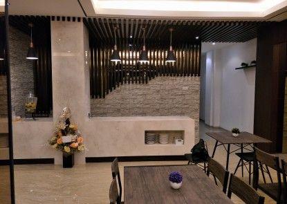 Box Hotel Surabaya Ruang Makan