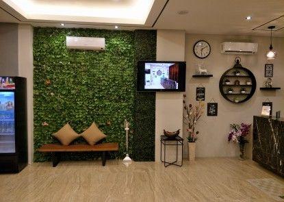 Box Hotel Surabaya Lounge