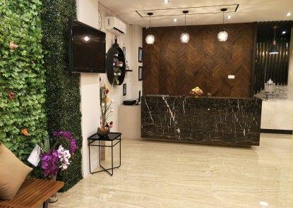 Box Hotel Surabaya Lobby