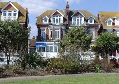 Breakers Guest House