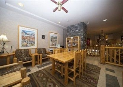 Brewster\'s Mountain Lodge