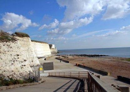 Brighton Getaways-Cliff Top