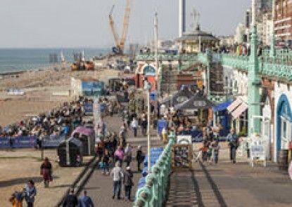 Brighton Getaways-Super Central Apt