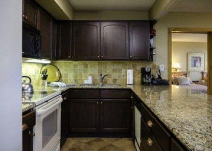 Bronze Tree Condominiums by Mountain Resorts