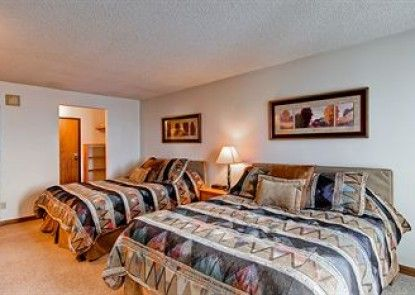 Bronze Tree Condominiums by Steamboat Resorts