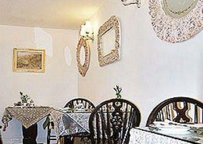Brooklands Guest House Teras