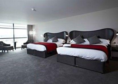 Brooklands Hotel Teras