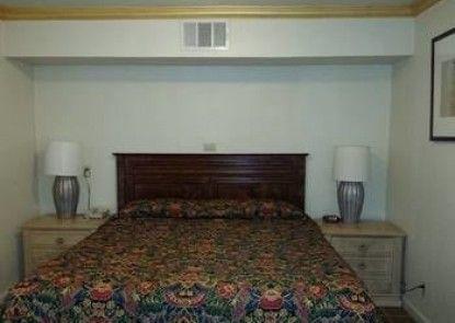 Brunner\'s Inn & Suites