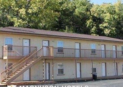 Budget Host Golden Wheat Motel