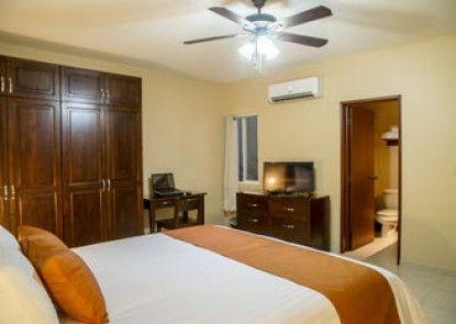 Bugambilias Suites Hotel