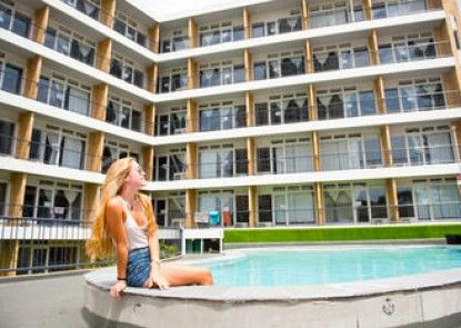 BUNK Backpackers Surfers Paradise - Hostel