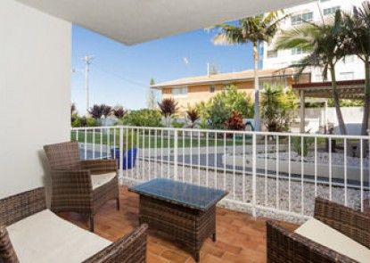 Burleigh Point Holiday Apartments