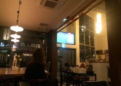 Cafe Restaurant & Guest House Nishiasahi - Hostel