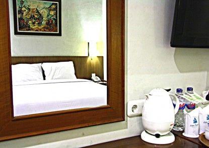 Cakra Kembang Hotel Kamar Tamu