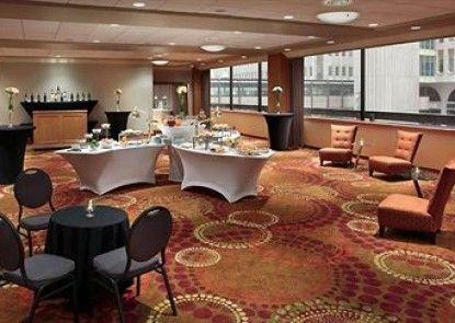 Calgary Marriott Downtown Hotel Teras
