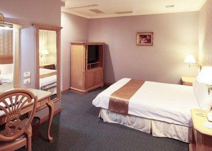 Cambridge Yang Kang Hotel