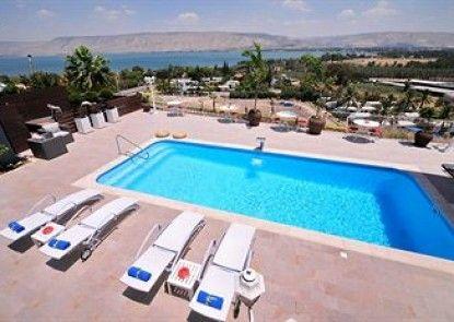 Camila Resort