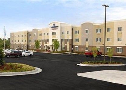 Candlewood Suites Mount Pleasant Teras
