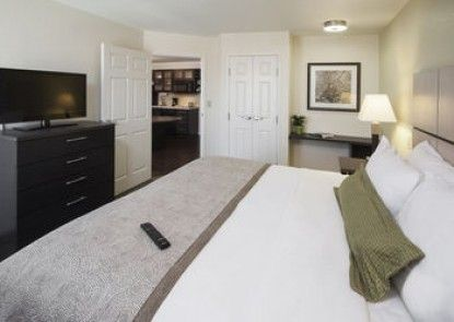 Candlewood Suites Columbus-Northeast