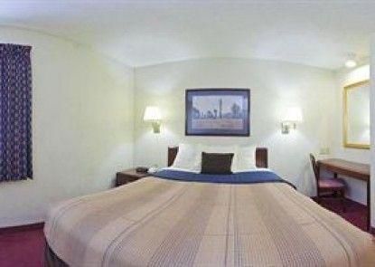 Candlewood Suites Detroit-Southfield