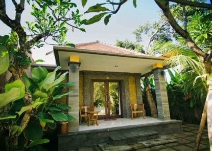 Candra Guest House Teras