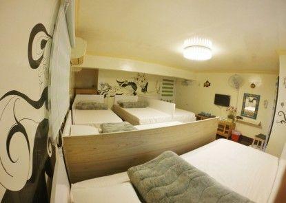 Cape 42 Hostel I