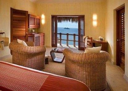 Capella Ixtapa Resort & Spa Teras