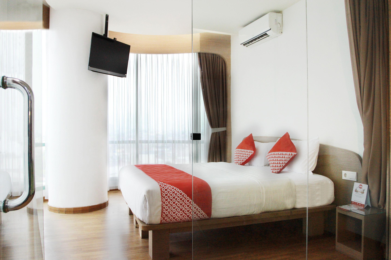 Capital O Business Hotel, Jakarta Barat