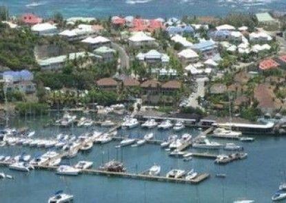 Captain Olivers Resort & Marina