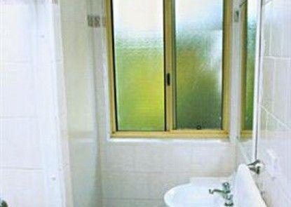Carlingford Serviced Apartments Teras