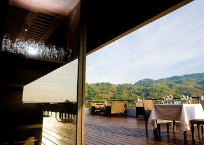 Casa Del M Resort