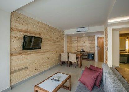 Casa Padma Suites Legian Teras