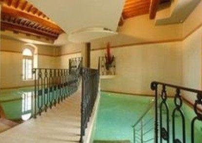 Casciana Apartments