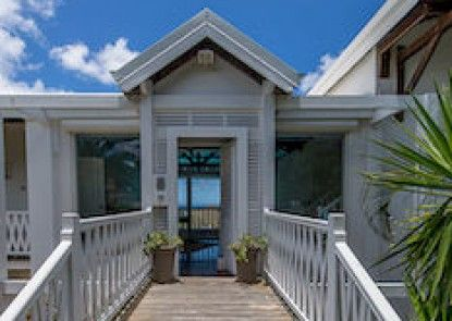 Caye Blanche Guest House