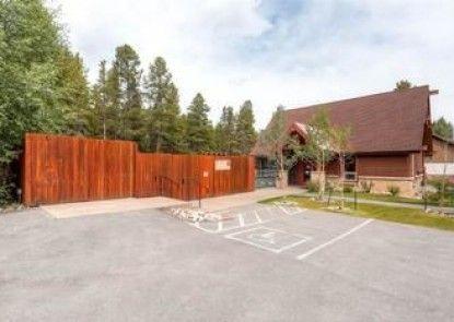 Cedars by Pinnacle Lodging