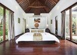 Pesan Kamar Cendana Three Bedroom Private Pool Villa (Free Mini Bar) di Kebun Villas & Resort