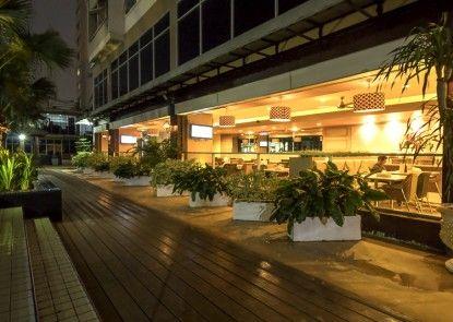 Centro City Service Apartment Teras