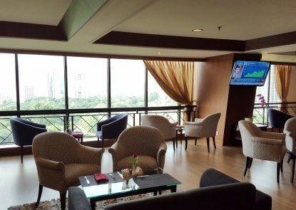 Century Park Hotel Teras